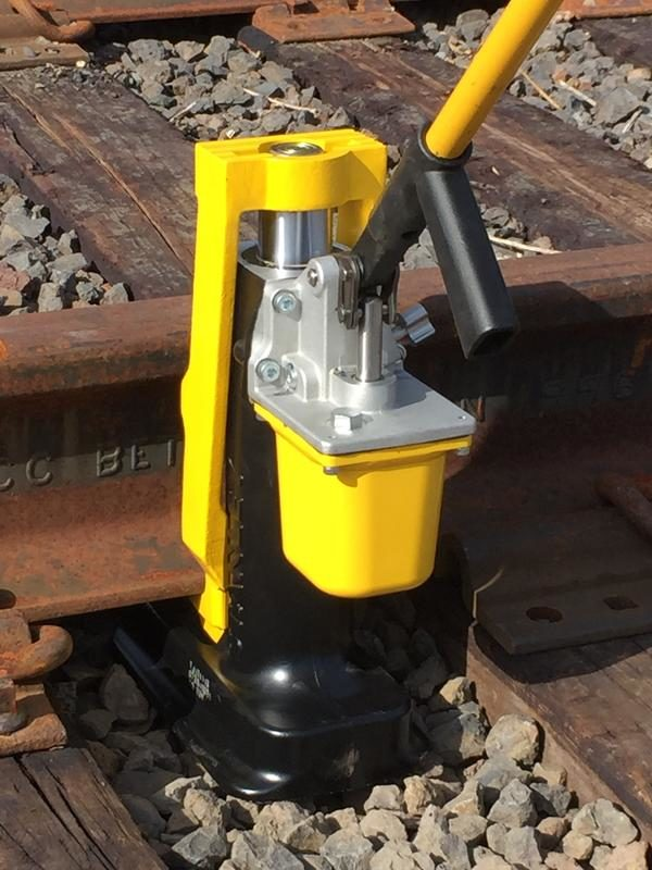 Skinnejekk hydraulisk TJ12S